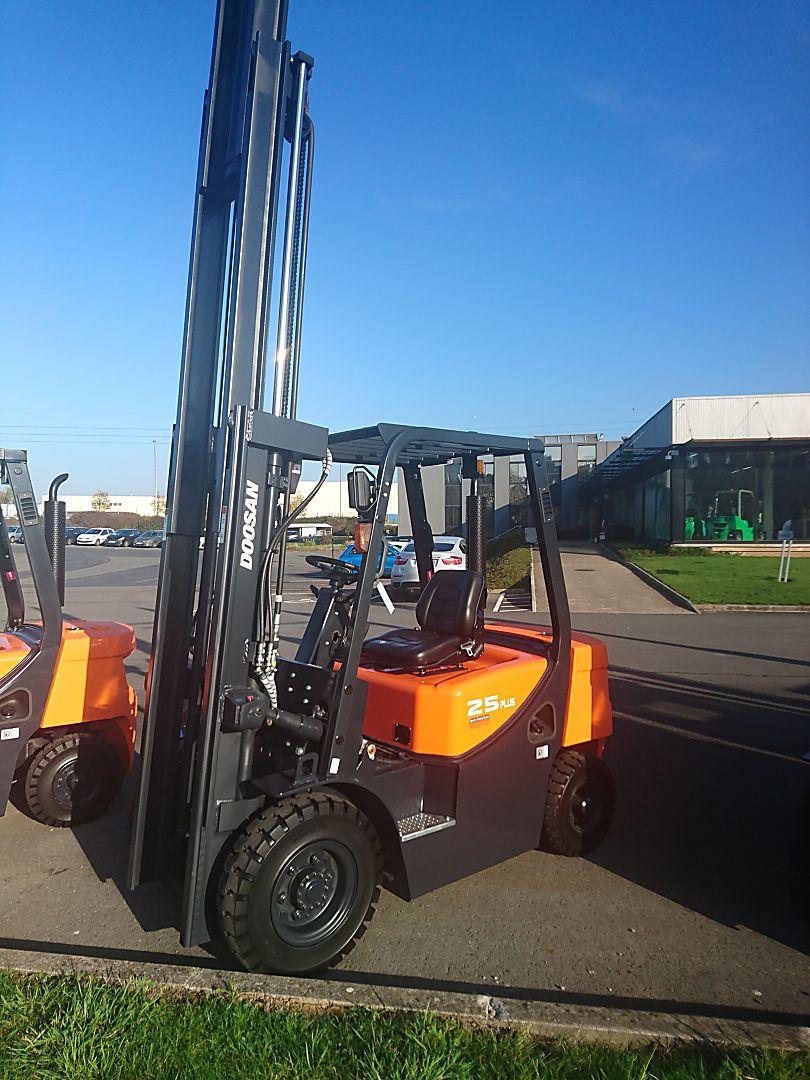 chariot élévateur à fourches DOOSAN D25GX PLUS location vente neuf ou occasion
