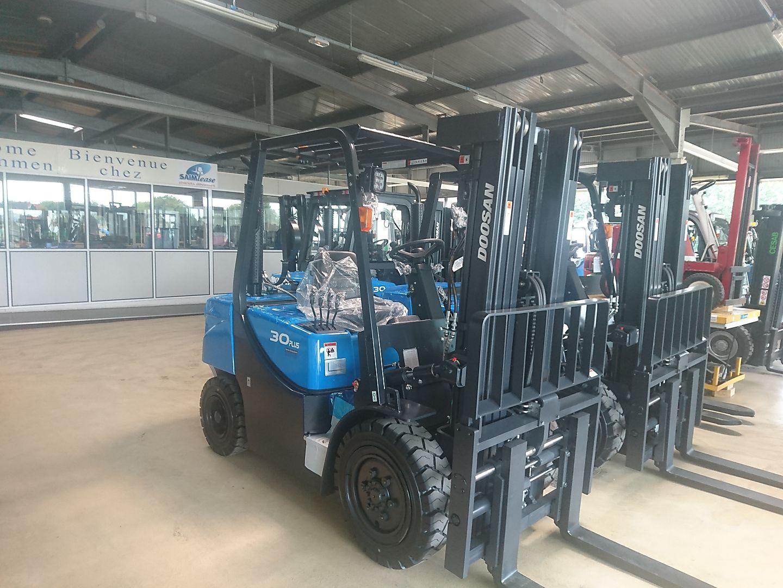 chariot élévateur à fourches DOOSAN G30GX location vente neuf ou occasion