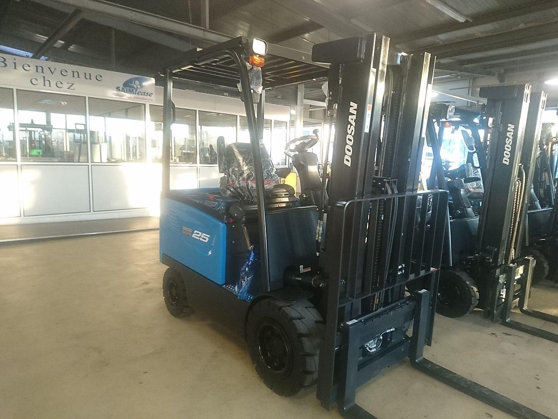 chariot élévateur à fourches DOOSAN B25S-7 location vente neuf ou occasion