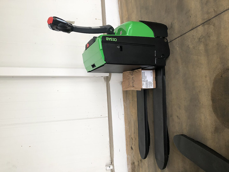 transpalette électrique CESAB P218 location vente neuf ou occasion
