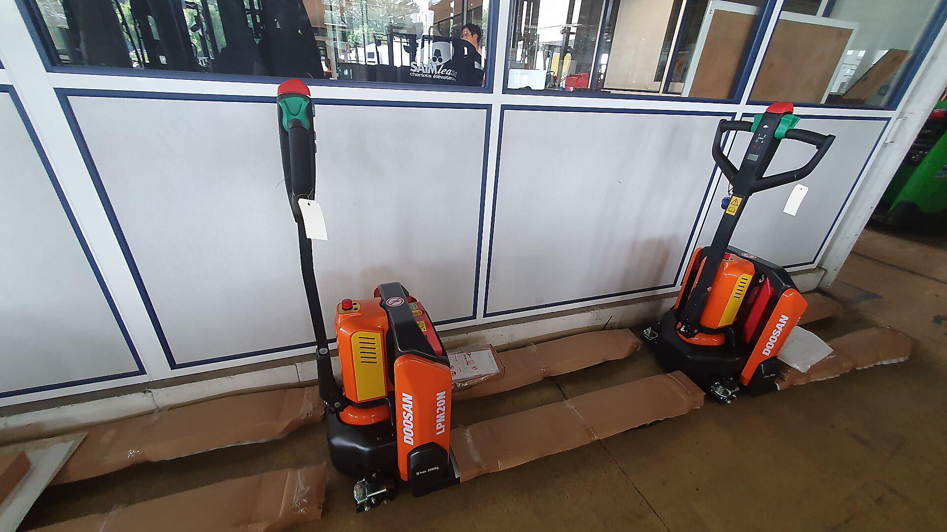 transpalette électrique DOOSAN LPM20N-7 location vente neuf ou occasion