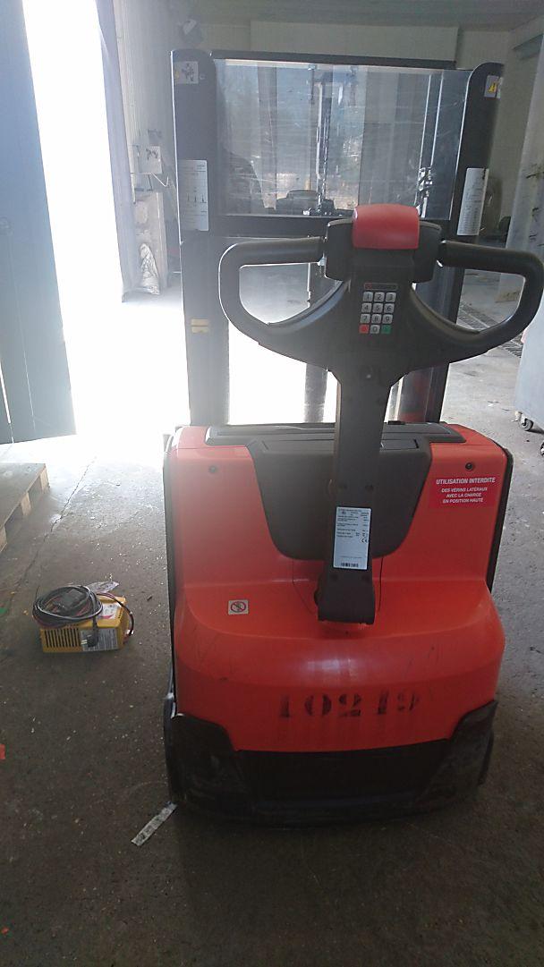 gerbeur à conducteur accompagnant TOYOTA SWE200D location vente neuf ou occasion