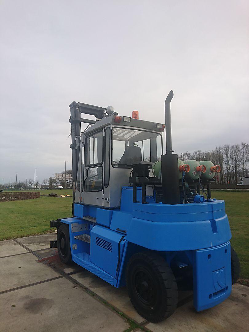 location vente occasion chariot élévateur à fourches KALMAR DCD80-6