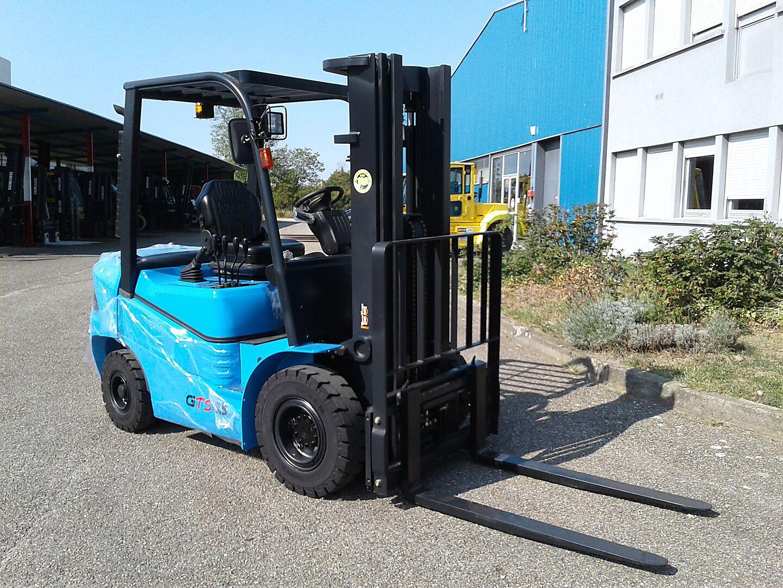 chariot élévateur à fourches CLARK GTS25D location vente neuf ou occasion