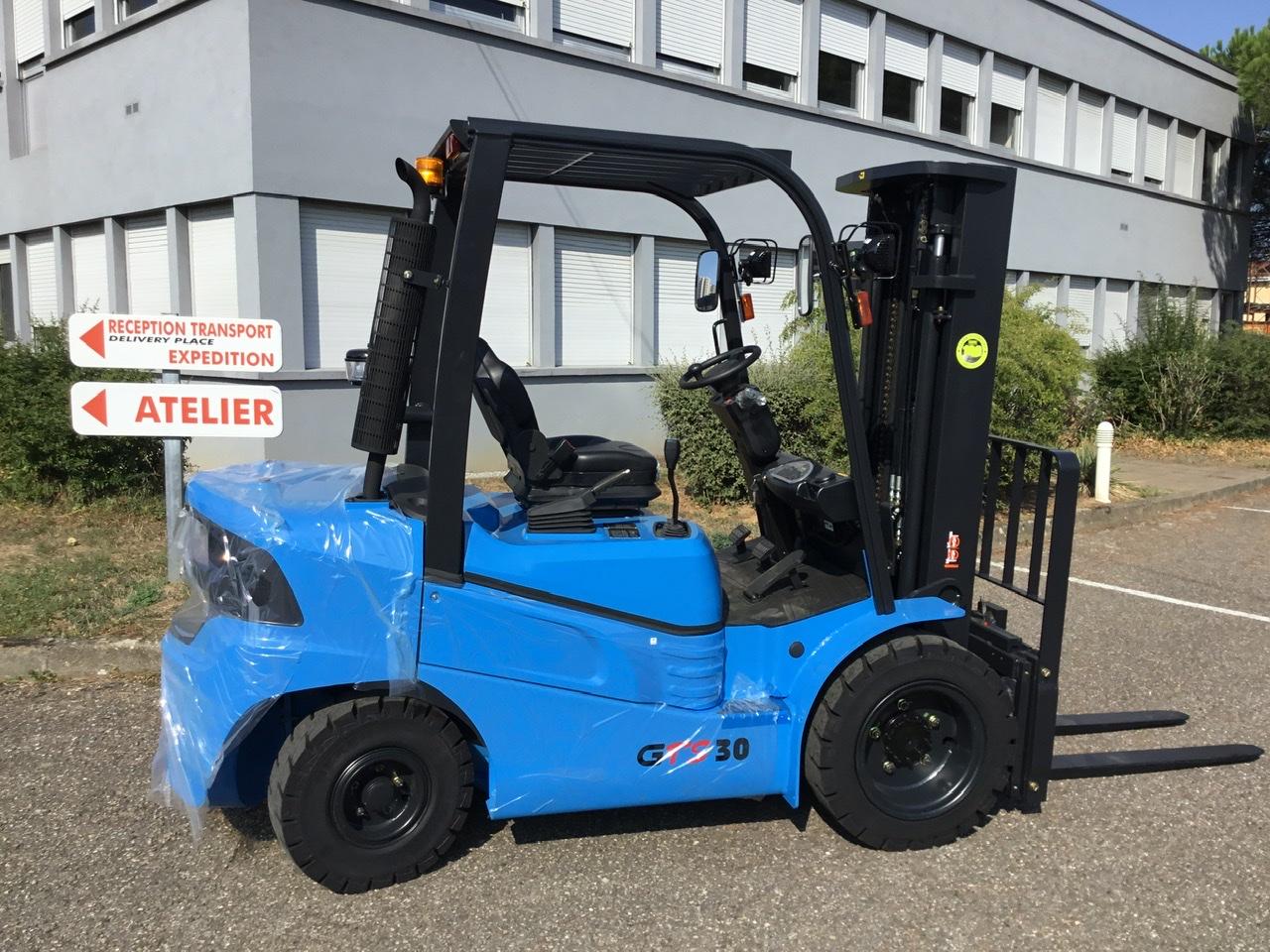 chariot élévateur à fourches CLARK GTS30D location vente neuf ou occasion