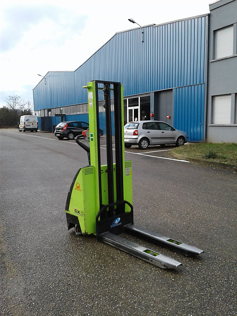 location vente occasion gerbeur à conducteur accompagnant LIFTER GX12