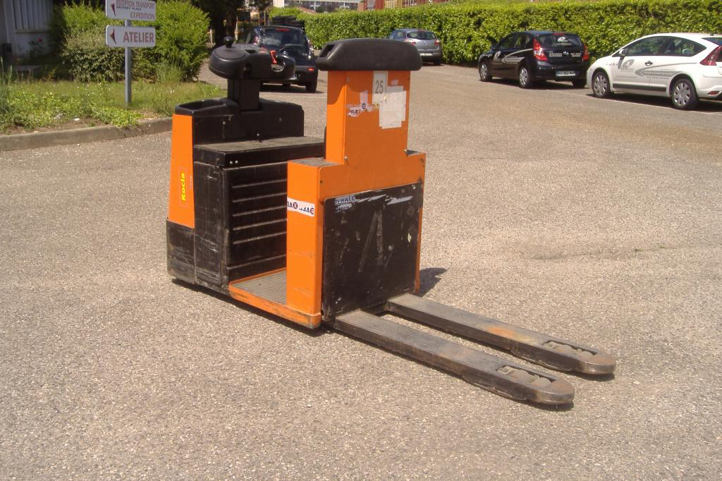 Préparateur commandes au sol à nacelle ROCLA P20 location vente neuf ou occasion