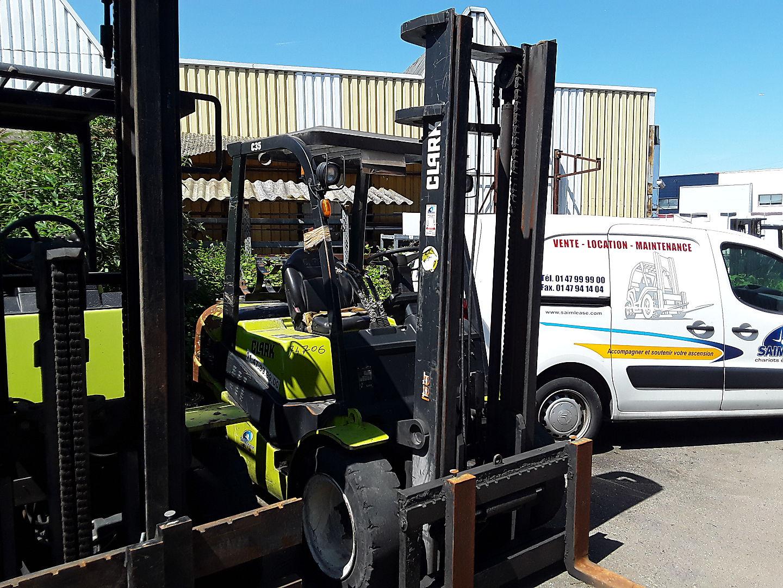 location vente occasion chariot élévateur à fourches CLARK C35L